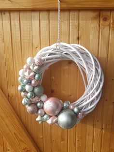Ferrero Rocher, Hanukkah, Robin, Arts And Crafts, Christmas Decorations, Xmas, Wreaths, Handmade, Home Decor
