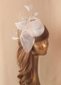 Hair Fascinators, Bridal Veils And Headpieces, Wedding Fascinators, Fascinator Hairstyles, Hat Hairstyles, Wedding Hairstyles, Ivory Fascinator, Fascinator Hats, Bridal Hat