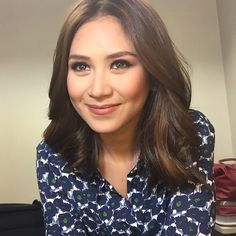 """Sarah Geronimo ❤️ for ASAP opening 2 prod number. Filipina Beauty, Geronimo, Iconic Women, Fall Hair, Taylor Swift, Hair Cuts, Female, Blind, Pretty"