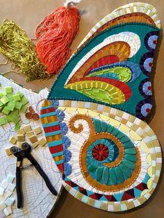 Mosaic butterfly and panel.very small spaces between tiles Mosaic Tile Art, Mosaic Diy, Mosaic Garden, Mosaic Crafts, Mosaic Glass, Glass Art, Stained Glass, Gaudi Mosaic, Butterfly Mosaic