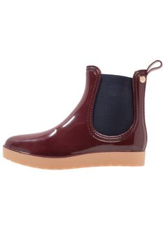 96885088c ¡Consigue este tipo de botas de agua de Gioseppo ahora! Haz clic para ver