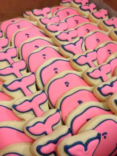 The vineyard vines whale cookies Whale Cookies, Cute Cookies, Logo Cookies, Yummy Treats, Delicious Desserts, Sweet Treats, Yummy Food, Yummy Snacks, Yummy Yummy