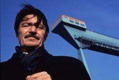 MEIN VATER, DER GASTARBEITER von Yüksel Yavuz (D 1995). Yavuz stellt in diesem Dokumentarfilm anhand des Beispiels seines Vaters, eines Gastarbeiters der 1. Generation, das Leben im kurdischen Teil der Türkei in Kontrast zu den Lebensbedingungen in Deutschland, die die Migranten vorfanden. Und Letztere waren alles andere als gut. Sehr aufschlussreich und bewegend.
