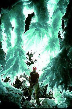 Visit Lechuguilla cave.    Google Image Result for http://www.speleobooks.com/art/A13/01.jpeg