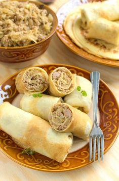 Naleśniki z kiszoną kapustą i mięsem mielonym Main Dishes, Sausage, Meat, Ethnic Recipes, Dinners, Pierogi, Food, Drink, Polish Cuisine