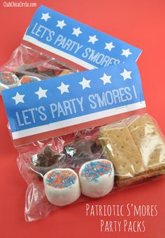 Patriotic S'mores Party Packs with Free Printable | Club Chica Circle - where crafty is contagious