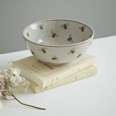 Beautiful ceramic bowl with bee design. Perfect as a decorative piece or perfect for keys and loose change on the hall table. Christmas Gifts For The Home, I Love Bees, Bee Art, Bee Design, Bee Happy, Save The Bees, Bees Knees, Queen Bees, Bee Keeping