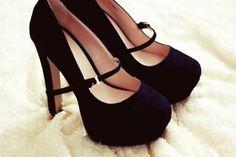 Shoes Shoes Shoes.  #fashion #heels #pumps #shoes