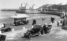 Photo of Weymouth, Vintage Cars 1909 from Francis Frith Weymouth Harbour, Weymouth Beach, Weymouth Dorset, Vintage Cars, Antique Cars, Retro Vintage, Vintage Designs, Old Photos, Vintage Photos