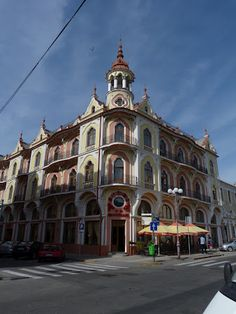 Oradea, inca un oras relativ necunoscut care merita mult, mult mai mult Mother Art, Austro Hungarian, Art Nouveau Architecture, Art Nouveau Design, Amazing Buildings, Cityscapes, Amazing Places, Romania, Places Ive Been