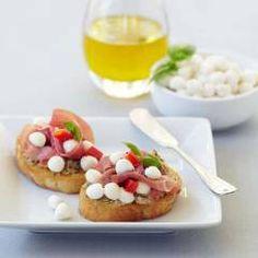 Prosciutto Crostinis: Fresh Mozzarella Ciliegine, Baguette, Artichoke ...