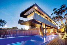 The Coronet Grove House was completed in 2009 by the Melbourne based studio Maddison Architects. This two story contemporary residence is located in Melbourne, Cantilever Architecture, Architecture Design, Architecture Résidentielle, Australian Architecture, Amazing Architecture, Contemporary Architecture, Arch House, Design Exterior, Architect House