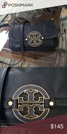 Tory burch crossbody Used with signs of wear on hardware, inside needs cleaning have makeup stains..No rips or tears though..TV $250 ❗️PRICE FIRM BUNDLE AND SAVE❗️   Measures W 12'in H 8'in Tory Burch Bags Crossbody Bags