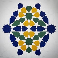 When I surrendered to the colours of the Alhambra. #islamicgeometry #islamicart #islamicpattern #geometry #pattern #art #paint #gouache #symmetry #watercolor #aotd  And in case you want to join in:  Islamic Geometry at OPEN Ealing, Tuesdays 7 to 9, Beginners, Thursdays, 2 to 4, Intermediate, www.samiramian.uk/open  ONLINE at Udemy. 183 online geometers online! Join in and if you're in the first 200, you could win a piece of original art by me.  Click on the link in my bio or use…
