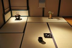 Chado Japanese traditional art of preparing and drinking tea with Mrs. Japanese Home Design, Japanese Tea House, Japanese Interior, Washitsu, Japanese Tea Ceremony, House Tiles, Tea Art, Japanese Architecture, Minka