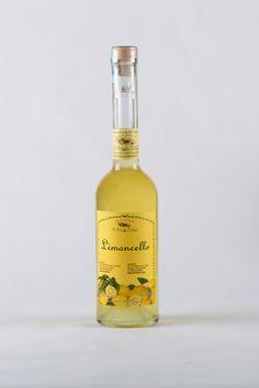 #Limoncello cl 50 - Sicilia Vera - Limoncello dal gusto aromatico e persistente, ottenuto da lavorazione artigianale. Servire freddo.