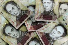 Bancos en Venezuela colapsan por cese de billetes de Bs 100