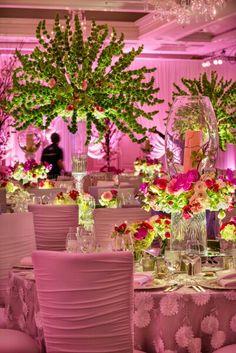 Maquila y elaboracion de centros de mesa. Diseños florales innovadores y originales, ofrece el mejor servicio a tus clientes. Diseños florales unicos, te sorprenderas. www.floreriasfelicidad.com