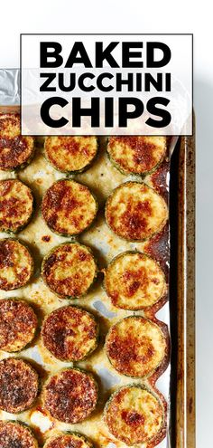 Lift yourself out of a potato rut with zucchini! These totally delicious oven-baked zucchini chips are coated in a breadcrumb and parmesan crust. These easy zucchini chips trump boring spuds, every time. Baked Zuchinni Recipes, Baked Zucchini Parmesan, Zucchini Chips Recipe, Veggie Chips, Bake Zucchini, Zucchini Sticks, Healthy Zucchini, Savory Snacks, Healthy Snacks