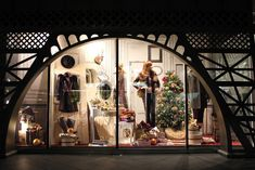 Galeries Lafayette Eiffel Tower Christmas windows, Berlin visual merchandising