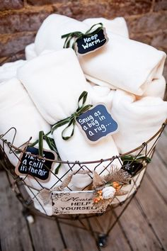 I really like this idea... wedding favor blanket     see more at www.pozytywneinspiracjeslubne.blogspot.com