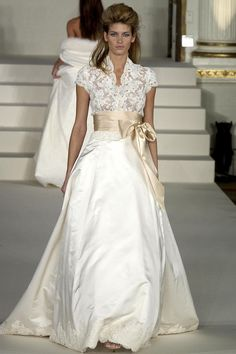 Take a walk down memory lane with Monique Lhuillier and her bridal style evolution throughout the past twenty years. this would make a gorgeous evening dress in another color Used Wedding Dresses, Bridal Dresses, Wedding Gowns, Older Bride Dresses, Lace Wedding, Elegant Dresses, Pretty Dresses, Vetement Fashion, Special Dresses