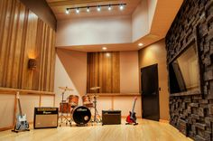 Recording Studio: textured wall                                                                                                                                                                                 Mais
