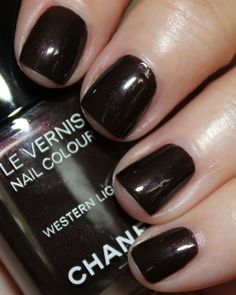Chanel Le Vernis Nail Colour: Western Light