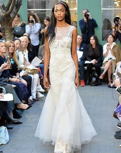 15 Drool-Worthy Dresses from Bridal Fashion Week - MONIQUE LHUILLIER