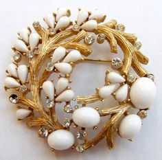 Vintage Crown Trifari Circular Branches Brooch from late 1950's to late 1960's - Gold Tone Rhinestones Opaque White Cabochons /50