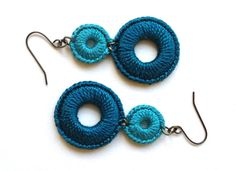 anatra rev crochet earrings                                                                                                                                                                                 Mais