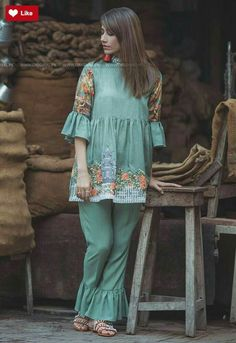 Cross Stitch Verdant alcove is part of Pakistani dress design - Pakistani Fashion Party Wear, Pakistani Formal Dresses, Pakistani Dress Design, Pakistani Outfits, Stylish Dresses For Girls, Stylish Dress Designs, Simple Dresses, Casual Dresses, Stylish Dress Book