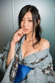 取材にわざわざ浴衣で来てくれた壇蜜さん。妖艶な大人のエロスが漂っている ▼1Sep2012週プレ|妖艶すぎるグラドル・壇蜜が告白! 「オナペットになりたくて、この世界に入りました」 http://wpb.shueisha.co.jp/2012/09/01/13697/ #壇蜜 #Danmitsu