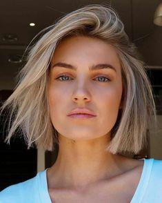Oval Face Hairstyles, Short Bob Hairstyles, Cool Hairstyles, Oval Face Short Hair, Short Hair Cuts, Blonde Hair Looks, Balayage Hair Blonde, Hair Affair, Hair Day