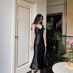 Women Satin Temperament Bodycon Dress Sexy Sleeveless High Waist Spaghetti Strap Dress V-Neck Solid Party Maxi Dress Pretty Dresses, Sexy Dresses, Fashion Dresses, 1950s Dresses, Casual Outfits, Cute Outfits, Dress Plus Size, Spaghetti Strap Dresses, Aesthetic Clothes