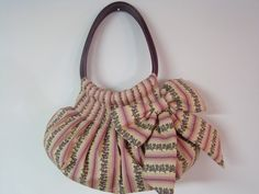 Bolsa tecido e couro feito por Bello quilt