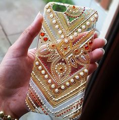 puntillismo, dot art point to point Glass Painting Designs, Dot Art Painting, Fabric Painting, Mandala Painting, Henna Phone Case, Diy Phone Case, Bling Phone Cases, Phone Cover, Henna Candles