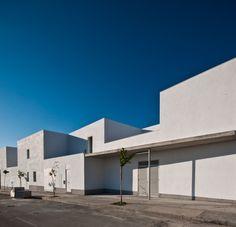 39 Housing Program / José Soto García