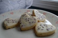 Iced Lavender Lemon Shortbread cookies by my inky twin eats - These cookies are amazing. Lavender Shortbread, Lemon Shortbread Cookies, Baking Cookies, Sugar Cookies, Yummy Treats, Yummy Food, Tasty, Sweet Treats, Sweet Recipes