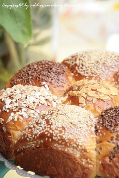 Magia smaku – Paluchy z makiem | AddioPomidory Haitian Art, Food And Drink, Bread, Food, Cooking, Brot, Baking, Breads, Buns