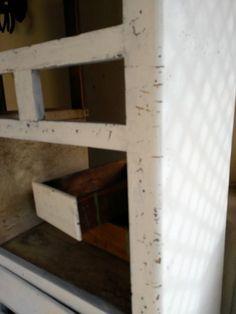 Cómo eliminar la carcoma de la madera ⋆ Recikla-arte Shelves, Home Decor, Insect Repellent, Wood, Art, Shelving, Decoration Home, Room Decor, Shelving Units