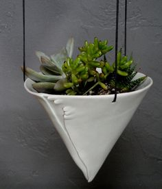 Lovely alternative to those regular baskets for your porch <a href=
