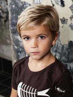 21 awesome and trendy haircuts for little boys styleoholic the side swept boys haircut urmus Image collections