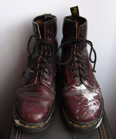 This is one of my most favorite blog posts about my favorite favorite Doc Martens <3 Very nicely written about the reason why we specially love our docs. Too bad it seems like Pinterest generally cannot pin a whole blog post,only a picture :(