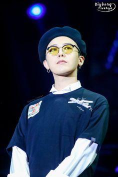 paismom — fckyeahgdragon:   160721 G-Dragon - VIP Fanmeeting...