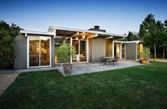 eichler home from the incredibles   Eichler Homes modern landscape