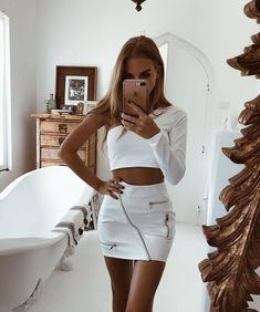 White Korean Style Skirts Womens Street Style A Line Skirt Summer 2018 High Waist Vogue Steampunk Leather Short Skirt - outfits. White Leather Skirt, Leather A Line Skirt, Leather Mini Skirts, White Jeans, A Line Skirts, Short Skirts, Skirt Outfits, Cute Outfits, Dressy Outfits