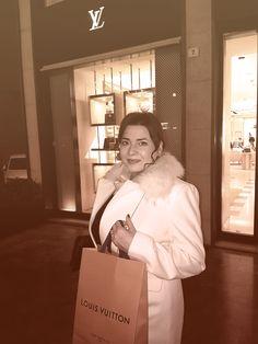 #shopping #shoppingtime #luxury #lux #loiusvuitton #vuitton #lv Mascara, Selfie, Lifestyle, Luxury, Shopping, Mascaras, Selfies