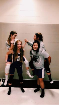 Ideas basket ball love pictures volleyball for 2019 Volleyball Photos, Volleyball Team, Volleyball Setter, Softball Pics, Cute Friend Pictures, Best Friend Pictures, Friend Pics, Basketball Pictures, Sports Pictures