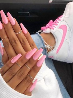 Minda's Ideas: Modern Street Style Ideas to Copy Now manicure - nail supply store - - day nails - coffin nails These Nailsnailsvibez By sherlinanym . hudabeauty vegas_na. Matte Pink Nails, Purple Nails, Edgy Nails, Trendy Nails, Grunge Nails, Gel Manicure Nails, Nagellack Design, Fire Nails, Nagel Gel